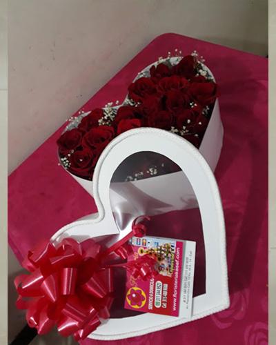 Caja de Rosas en corazón #6